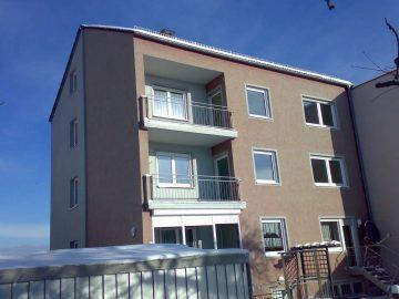 Günstiger geht es nicht, 3 1/2 Zi.-ETW mit 2 Garagen und Süd-Balkon, 92637 Weiden, Etagenwohnung