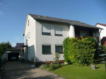Gepflegtes Ein- od. Zweifamilienhaus mit ausgebautem Dachgeschoss, in absolut ruhiger Wohnlage, 92676 Eschenbach, Haus