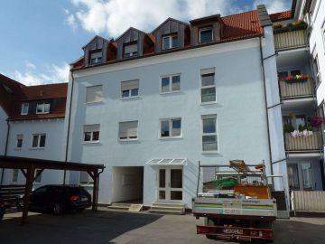 Moderne 3 Zi.-ETW mit gr. Balkon und Carport, nähe Bahnhof, 92637 Weiden, Etagenwohnung