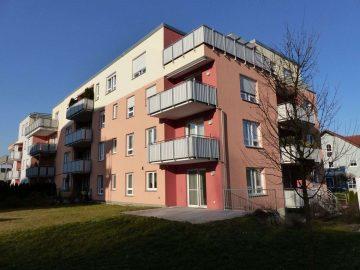 Energetisch hochwertig gebaute 4 Zi.- ETW, mit Solar und Wärmepumpe, Garten, Stellplatz und Garage, 92637 Weiden, Etagenwohnung
