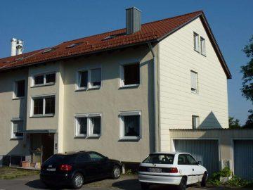 Schöne Lage in Eschenbach. Eine DHH mit neuem Dach und sehr viel Potential, 92676 Eschenbach, Doppelhaushälfte