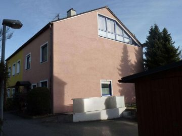 Großzügige Doppelhaushälfte mit neuer Heizung/Solar und Fassade, 92637 Weiden, Doppelhaushälfte