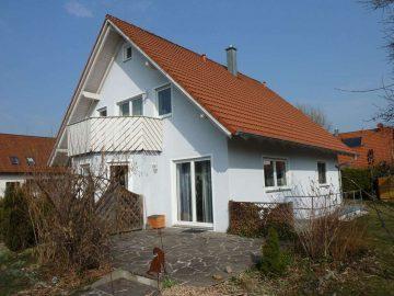 Familien aufgepasst!!!! Sehr schönes EFH mit einer ELW, Erker, Balkon, Einbauküche und zwei Garagen, 92729 Weiherhammer, Einfamilienhaus