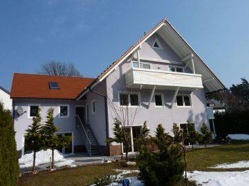 Nähe Kemnath: Top gepflegtes Ein- oder Zweifam.-Haus mit ELW und Doppelgarage, 95478 Kemnath, Einfamilienhaus