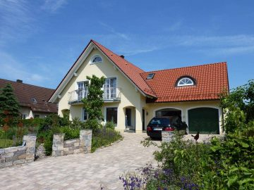 Das Besondere!!! Hochwertiges Traumhaus, in ruhiger Randlage mit Dop.-Garage und Gartenhaus, 95666 Mitterteich, Einfamilienhaus