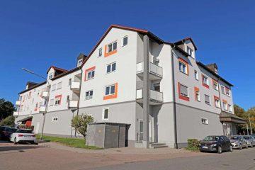 Weiden-Ost! Ansprechende 3 1/2 Zi.-ETW mit Tiefgarage, Schwedenofen, EBK und Süd-Balkon, 92637 Weiden, Etagenwohnung