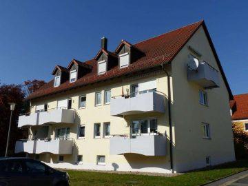 Ruhige Wohnlage geboten!!! Moderne 3 Zi.-ETW mit Balkon und Stellplatz vor dem Haus, 92729 Weiherhammer, Etagenwohnung