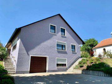 In Dorf Lage, nähe Kemnath! Gepflegtes Wohnhaus mit Garage und herrlichem Garten, 95506 Kastl, Einfamilienhaus
