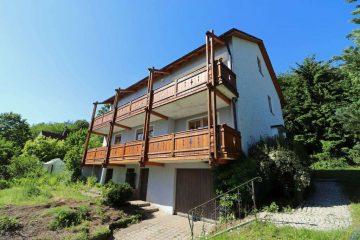 Waldrandlage geboten! Großzügiges Zweifam.-Haus mit Garage und einem großen Grundstück, 92723 Tännesberg, Mehrfamilienhaus