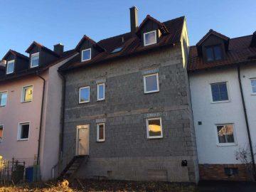 Bauunternehmer gesucht!!! Vier ETW's im Rohbauzustand, inkl. Grundstück, im Zentrum von Neustadt, 92660 Neustadt, Mehrfamilienhaus