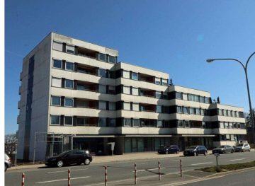Mit Fernblick über die Stadt! Helle 3 Zi.-ETW mit gr. Dachterrasse und sep. Balkon, 95030 Hof, Dachgeschosswohnung